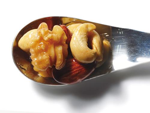 スモークナッツのハチミツ漬