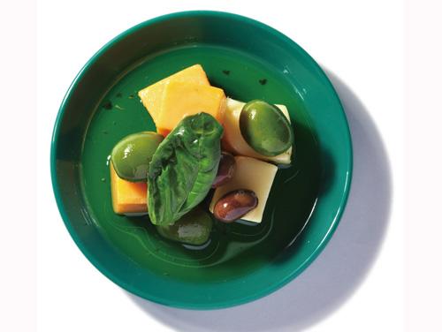 チーズ&オリーブバジル盛付