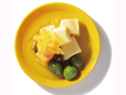 チーズ&オリーブ柚子山椒盛付